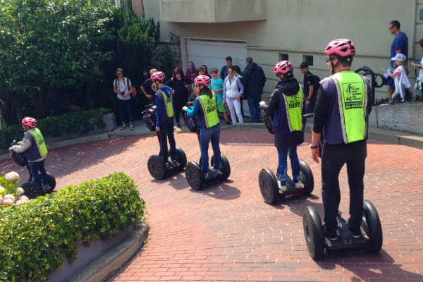 you-are-a-tourist-attraction-lombard-street-advanced-hills-crookedest-street-segway-tour-san-francisco-600-400